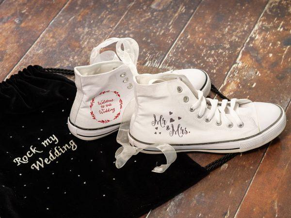 Schuhe mit professionellem und hochwertigem Textildruck