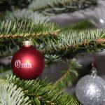 Gravierte Christbaumkugel mit persönlichem Schriftzug
