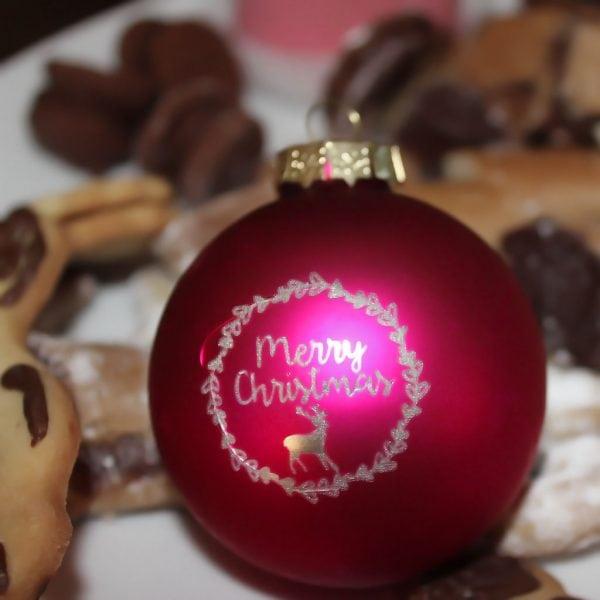 Edel gelaserte Christbaumkugel für ein persönliches Geschenk